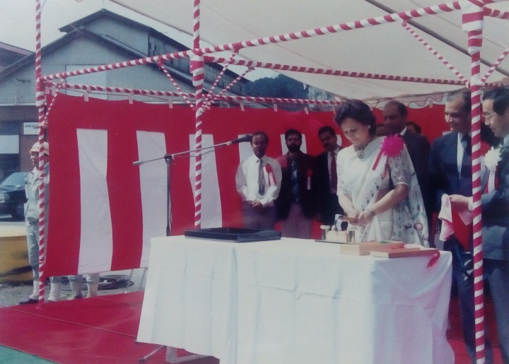chairperson-emeritus-shirin-paul-and-late-chairman-surrendra-paul-back-at-the-naming-and-delivery-ceremony-of-akhil